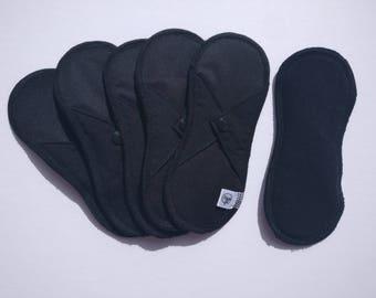 1 pad day black hemp and organic cotton black - feminine hygiene - protects washable below - zero waste