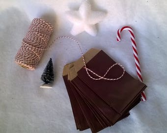 24 advent calendar bags. Different colors to choose from