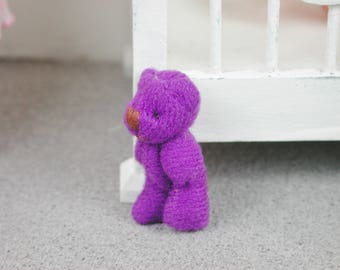 Teddy in the color purple for the doll, the Dollhouse, miniature dollhouse miniatures