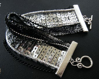 Textile bracelet Black Silver sequins and chains