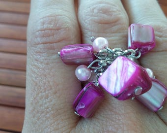 Very pretty ring adjustable shades of pink