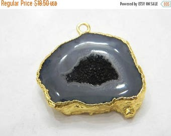 on sale 80% discount Druzy Pendants With Electroplated Gold Edge Charms Wholesale price Handmade size 25x30 mm approx