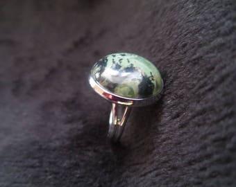 round ring with Jasper stone