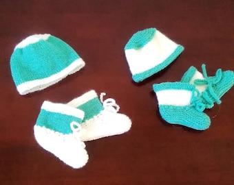 Bébés jumeaux cadeau ensemble tricoté à la main, différent couleurs, cadeau  boîte, accessoires
