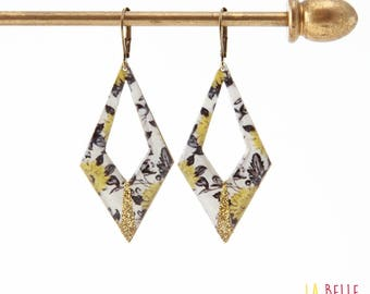 Argyle pattern fleuir black, mustard yellow and glitter resin earrings
