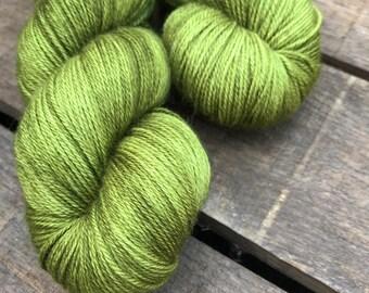 Moosbedeckter Waldboden - Superwash Blue Faced Leicester, Silk & Cashmere Splendiferous Sock 100g
