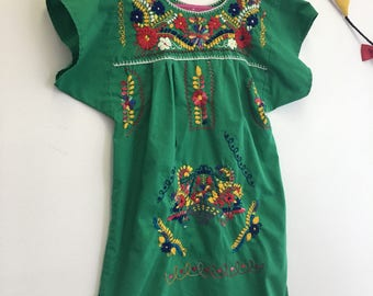 Vintage Children's 1970s Mexican Dress Girls Green Puebla Style Dress Embroidered Mexican Tunic Dress Child Size 6x