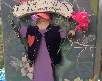 When I am Old I shall wear Purple red hat room box diorama