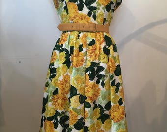 Beautiful 50's Floral Day Dress