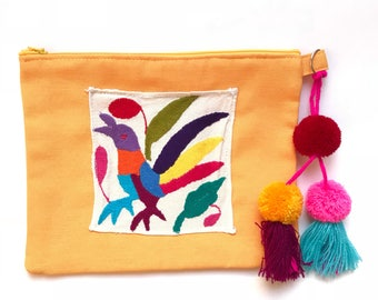 Otomi clutch, Otomi bag, Otomi embroidery, Mexican clutch, Mexican bag, Mexican hand bag, Mexican handmade bag, Embroidered bag, pompom bag