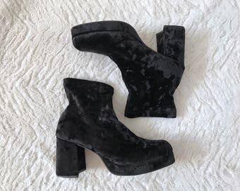 Vintage Sz 8.5 Black Crushed Velvet High Heel Chunky Slouch Sock Boots