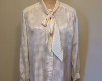 Shinny 80's-90's White Hounds Tooth Pattern Button Down Blouse with Necktie | Pendleton | Made in the USA | Country Sophisticates Size 14