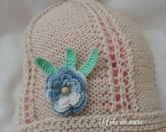 Hat-beige cotton cap with blue flower