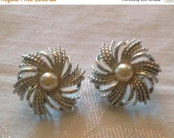 On Sale Vintage Sarah Coventry Silvertone Swirl Earrings