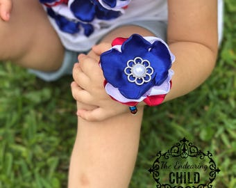 Patriotic Beaded Bracelet/4th of July/Military Baby/Floral Bracelet/Photo Prop/Baby Shower Gift/Military Bracelet