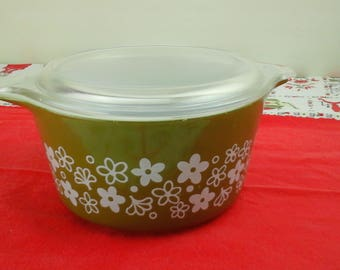 Vintage pyrex, spring green, casserole dish.