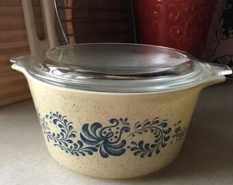 Pyrex homestead 473 casserole + lid