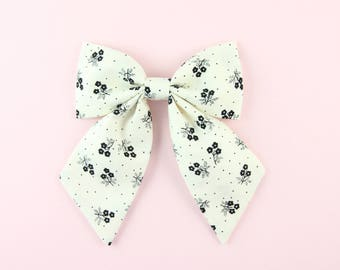 Floral Sailor Bow, Bows for Girls, Classic Hair Bow, Black and White Sailor Bow Hair Clip, Cute Summer Sailor Bow, Hand Sewn Bow