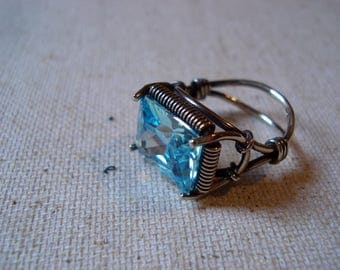 Ring with blue cubic zirkonia, a ring of sterling silver, a unique ring, a ring for women, a beautiful ring, a ring of silver