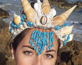 Sea Shell Crown with Turquiose Stone