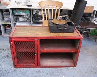 Style Tv cabinet Industrial Red