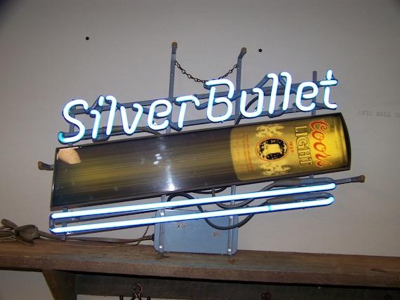 Vintage-1988-Silver-Bullet-Coors-Lite-Neon-Sign