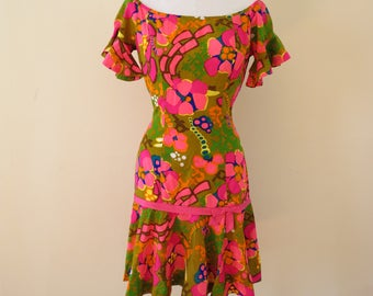 Vintage 1960's Hawaiian Alfred Shaheen Floral Dress