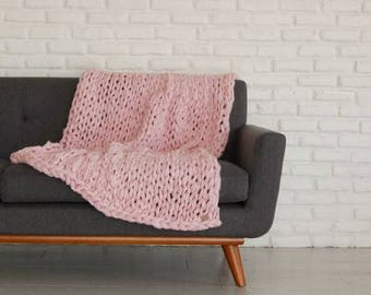 Throw Blanket, Knit Throw Blanket, Chunky Knit Blanket, Arm Knit Blanket, Vegan Blanket, Chunky Blanket, Giant Knit Blanket, Chunky Throw