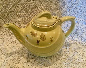 Hall Pottery Yellow with Gold Leaf tea pot 799 (6 cup)