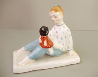 Vintage Hungarian porcelain figurine,little girl w. doll