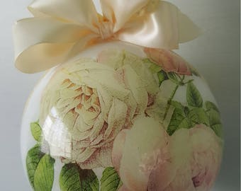 12 cm diameter bauble with Pink Roses, Handmade & Hand decorated decoration, Ornament, Wedding decoration, Gift, Home decoration, Brand new