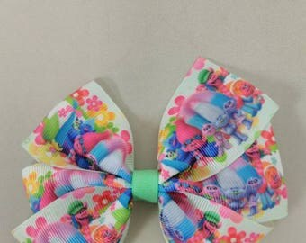 Character hair bow, green pinwheel hair bow, girls hair bow, party bow, birthday hair bow, Trolls hair bow, Poppy hair bow, Trolls movie