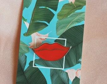 Lips Enamel Pin