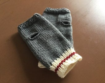 Knitted wool low hand mittens.