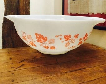 "Pyrex, Vintage, GOOSEBERRY White with Pink Vintage, Pyrex Grip Pour 11"" Mixing Bowl, Retro Pyrex White Bowl with Pink Fruit and Flowers,"