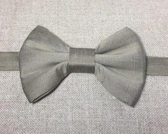 SILK BOW TIE, beige silk bow tie.