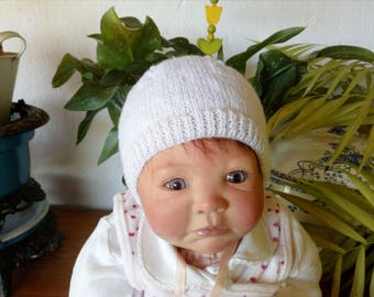 White hat for toddlers
