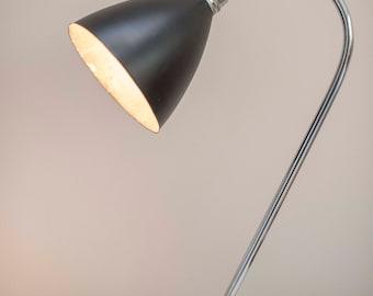 Rare original post war Bestlite BL1 desk lamp dating from around the late 1940's/50's ..MODERNIST BAUHAUS