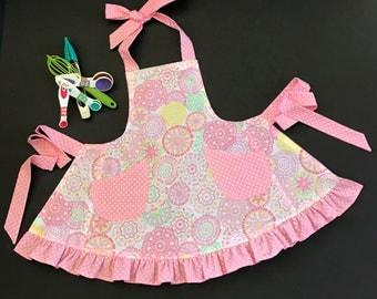 Toddler's Apron, Little Girls Pink Apron, Girls Ruffled Apron, Toddler's Bib Apron, Bib Apron, Little Girl's Bib Apron, Girls Apron
