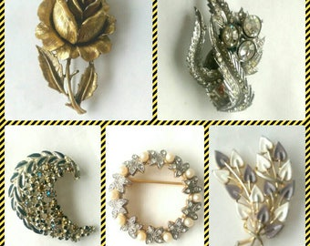A Selection of Vintage Brooches - 5 Styles