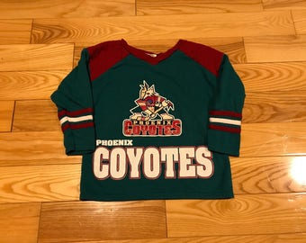 Vintage Phoenix Coyotes youth jersey 90's size 7/8 Big print on front green and red