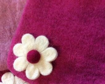 Vintage style  Felt Shoulder Bag - Girls shoulder bag - flower bag - Pink