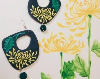 雅菊  chrydanthemum  wood art earrings