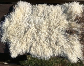 Big genuine Sheepskin Rug from Bosnia / 86