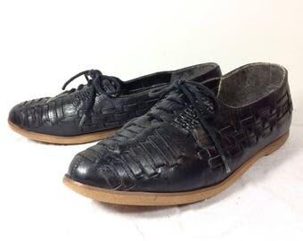 US sz. 7.5 | vintage black woven soft leather lace up oxford shoes