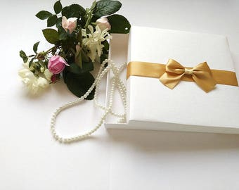 50 pieces of white boxes, Elegant favor gift box with satin ribbon, bridesmaid gift box,  bridesmaid gift,  wedding favor boxes,