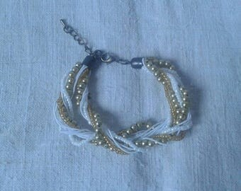 Bracelet cords metallic white and gold beads