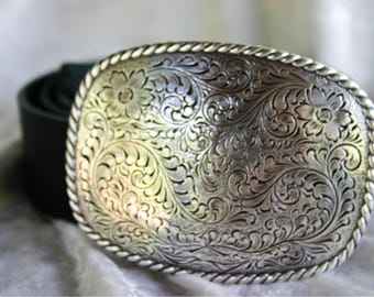 Buckle with Leather Belt