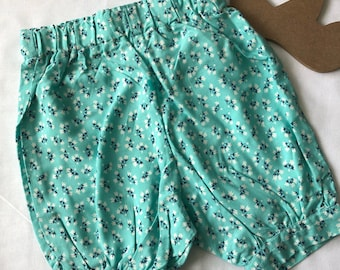 Girls nappy cover bloomers.  Size 3-6months