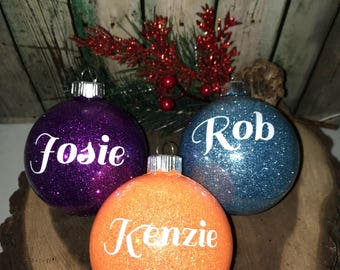 Christmas Ball Family Ornaments, Ball Christmas Ornament, Personalized Ornament, Monogrammed Ornaments, 2017 Ornaments, Name Ornaments, Gift